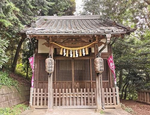 浅間神社(境内社)正面の風景
