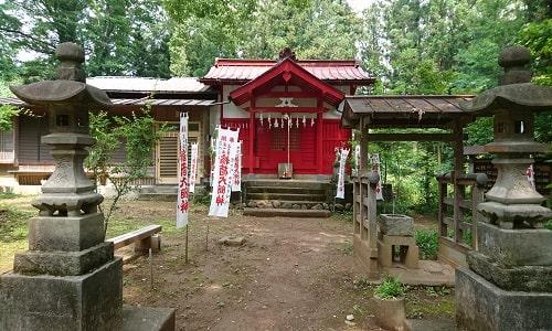 稲荷神社全体の風景