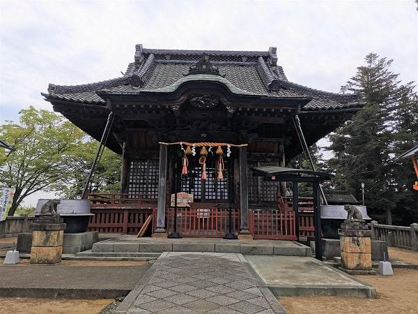 拝殿正面の風景