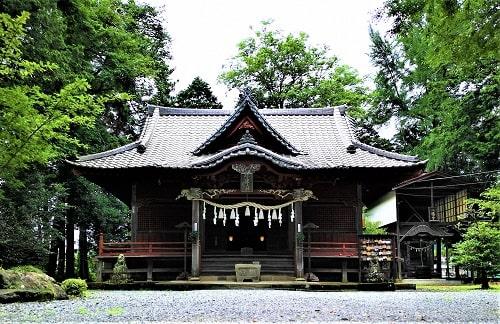 椋神社の拝殿正面の風景