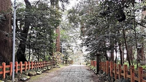 香取神宮の北にある参道の風景