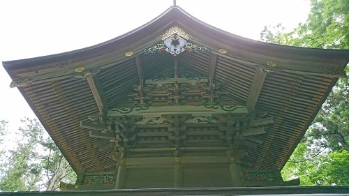 本殿の裏の見事な彫刻