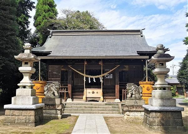 平柳星宮神社の社殿正面の風景
