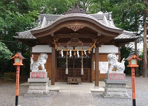山田八幡神社の本殿(拝殿)正面の風景