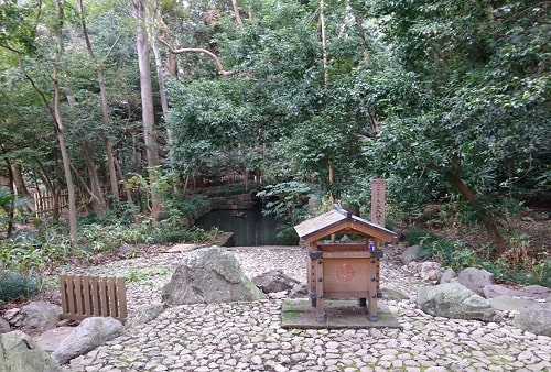 大宮氷川神社の最強パワースポット蛇の池