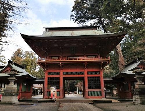 鹿島神宮の楼門正面の風景
