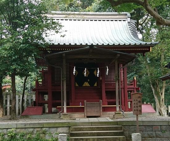大宮氷川神社の末社である御嶽神社の拝殿