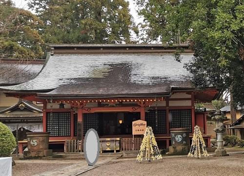 香取神宮の立派な旧拝殿の風景