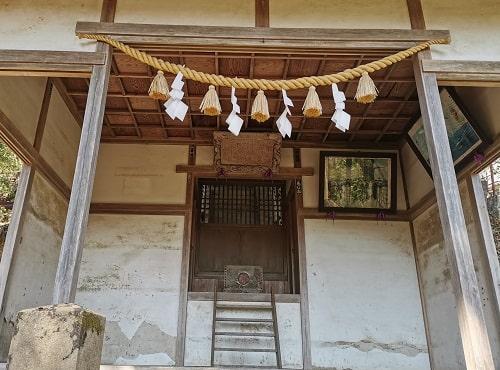 東郷神社拝殿の風景