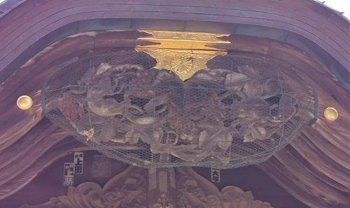 見事な彫刻の風景