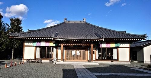 童子堂の納経所となる永福寺正面の風景