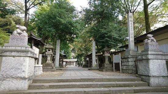 調神社の入り口の風景