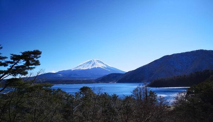 綺麗な富士山の風景