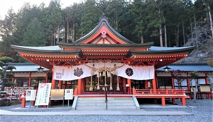 金櫻神社の社殿正面の風景