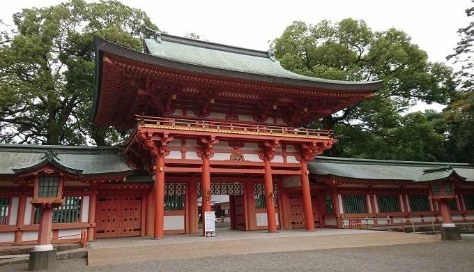 大宮氷川神社の立派な楼門
