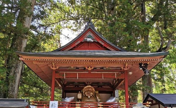 神楽殿正面の風景